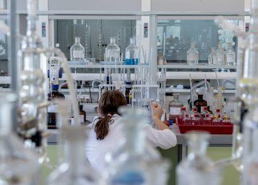 De la botica a la industria farmacéutica